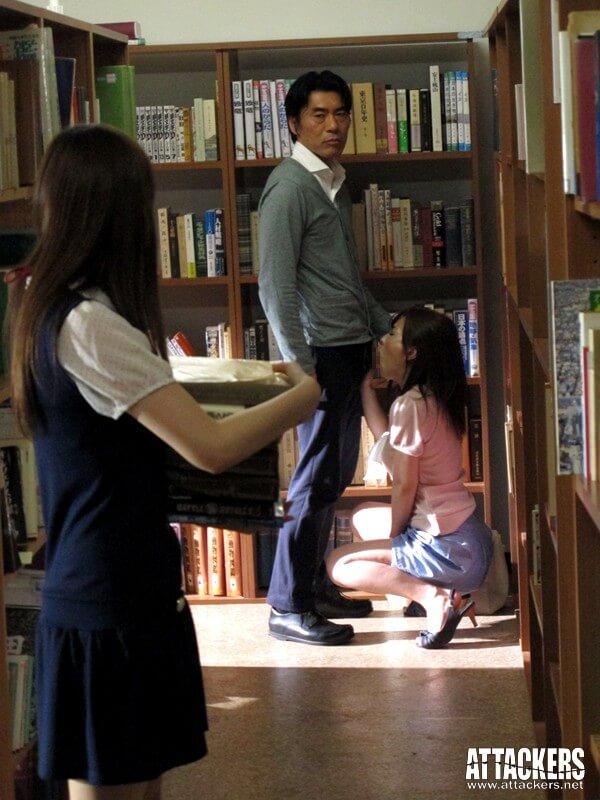【痴●図書館 こんな所で…なのに、なのに私ったら…! かすみ果穂】サンプル画像1