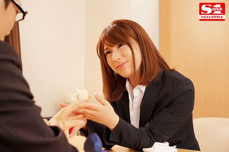 【「私、人のモノ欲しくなっちゃうんです…」 結婚式直前の新郎を誘い寝取る発情ウエディングプランナー 星野ナミ】サンプル画像5